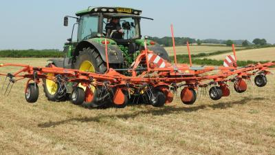 perfect_bale_tedder_headland_lift_control_kuhn_agriculture