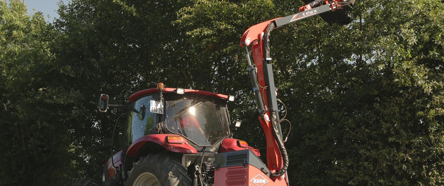AGRI-LONGER GII with Mechanical Safety Hedge and Grass Cutters
