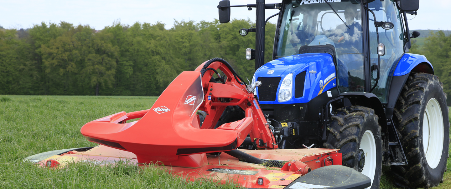 FC 3125 F mower conditioner at work combined with FC 314