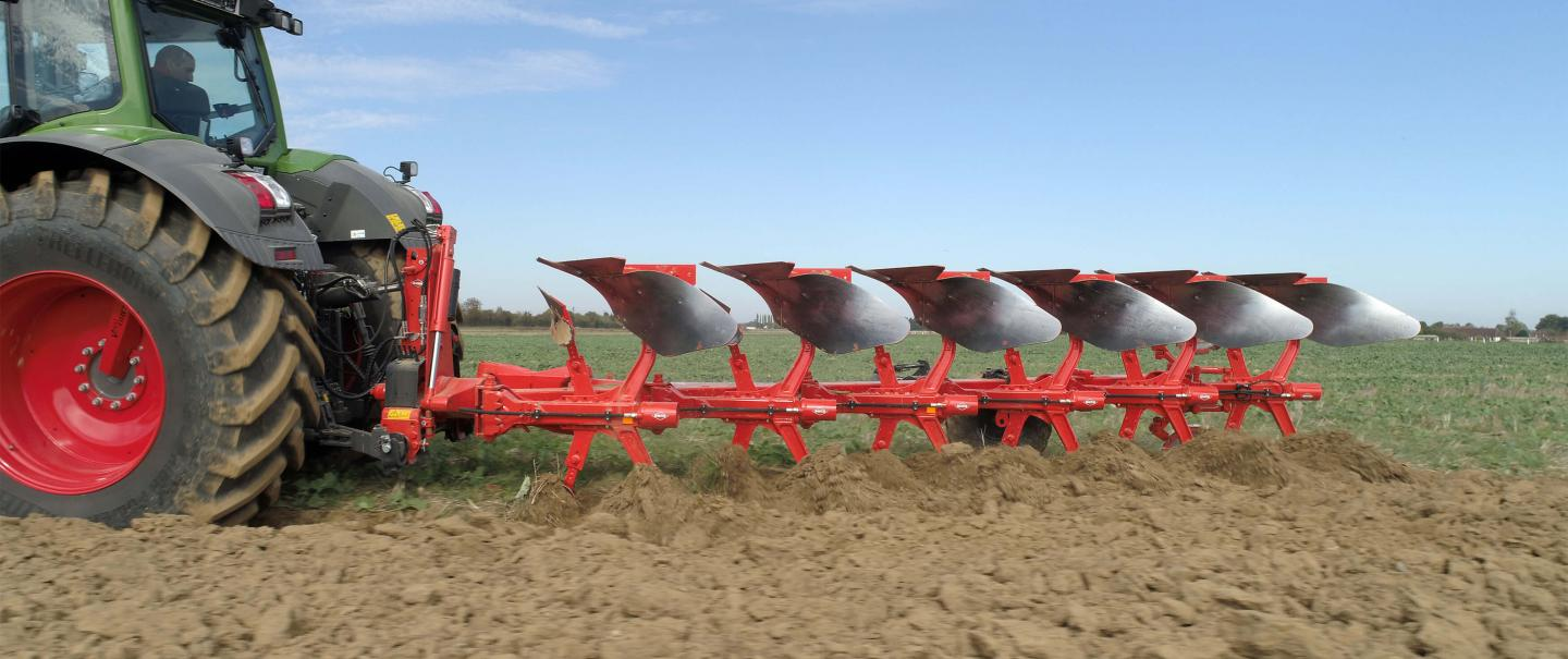 The Optidrive headstock is available on the MASTER 183 ploughs