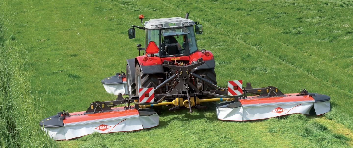 PZ 960 drum mower at work