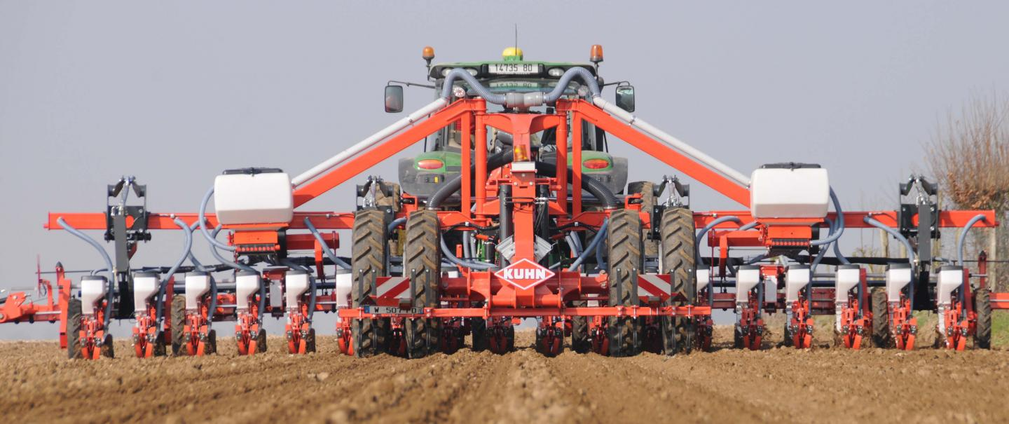 A PLANTER 3 TRS stationary