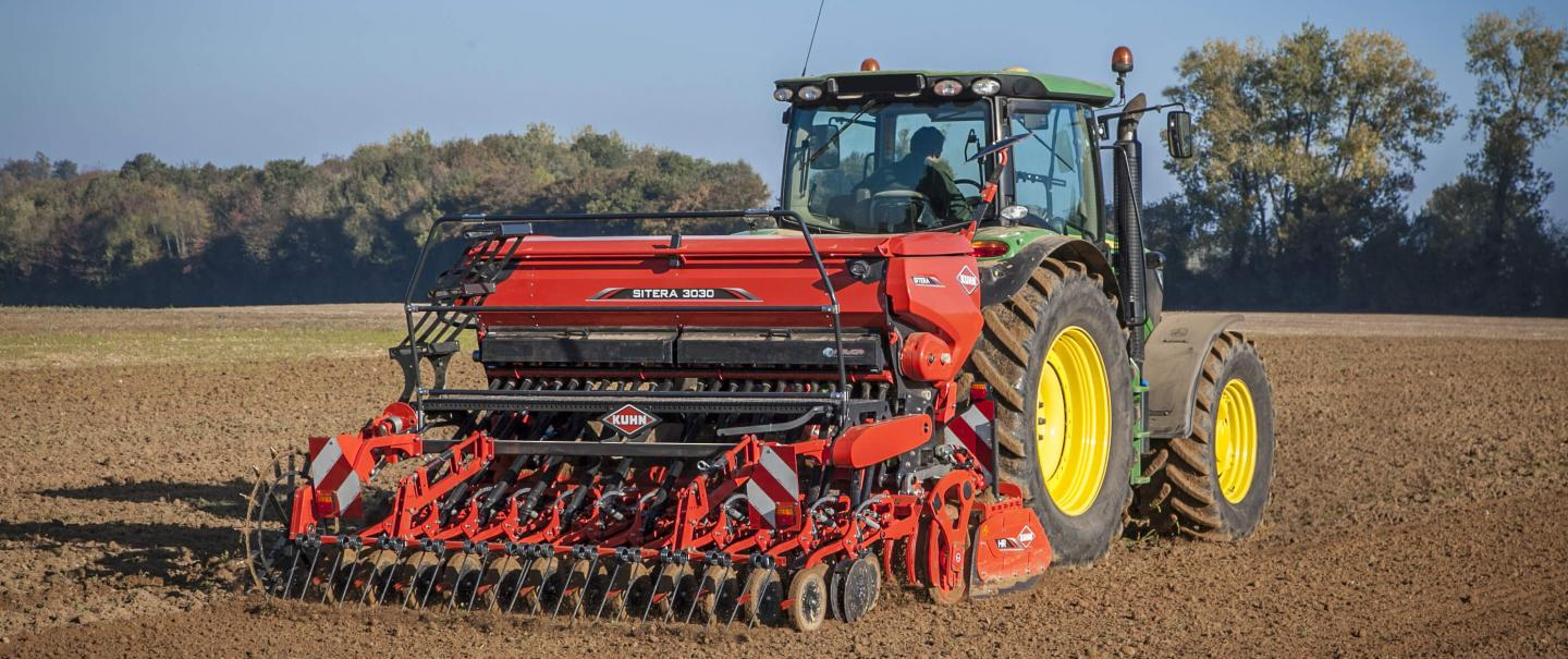 SITERA 3030 at work in the fields