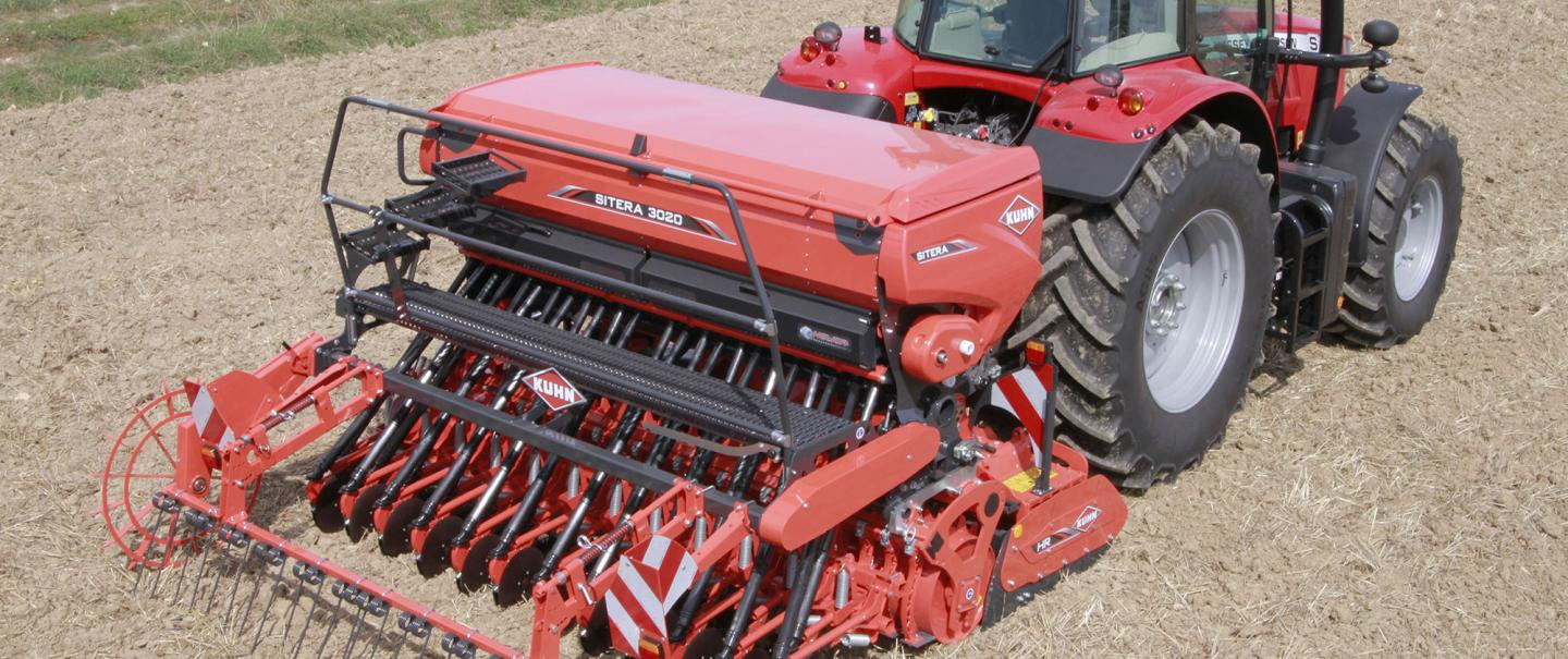 SITERA 3030 integrated mechanical seed drill at work