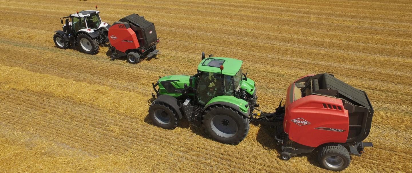 KUHN VB 3185 and VB 3195 at work