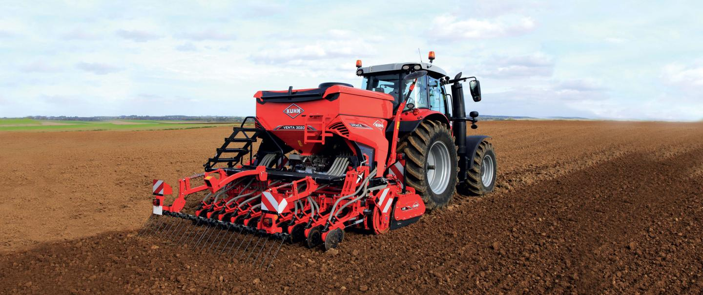 ISOBUS VENTA 3030 pneumatic integrated seed drill at work with HR 3040 power harrow